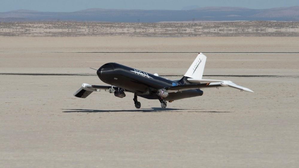 La NASA prueba unas alas que se doblan en pleno vuelo