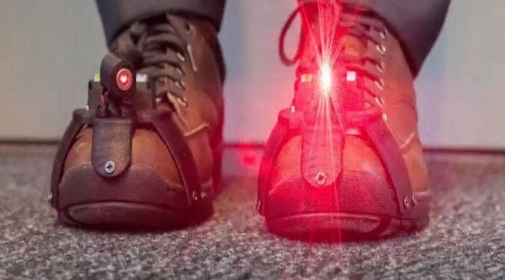 Inventan zapatos láser para ayudar a enfermos de Párkinson