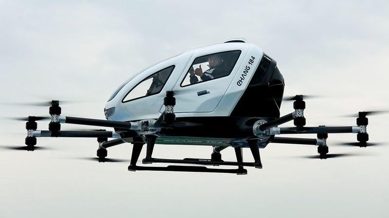 Video del vuelo del primer pasajero del taxi-dron