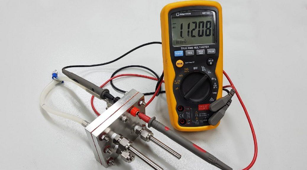 Primera batería recargable de protones, igual de eficiente que una de ion litio, cuesta y contamina menos