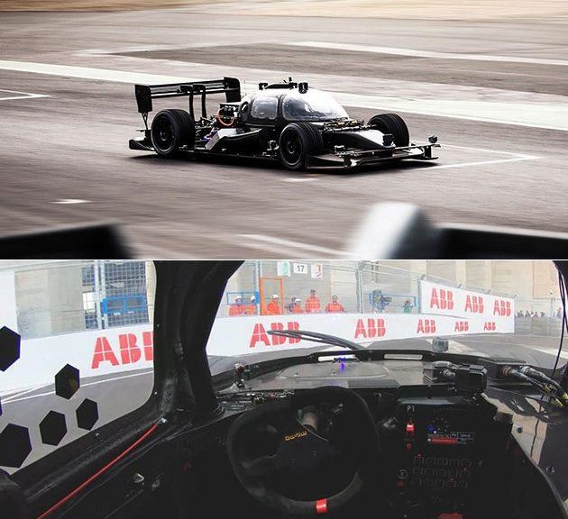 Auto de carreras autónomo versus piloto profesional de autos
