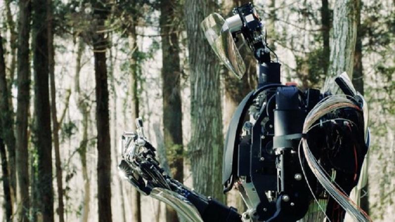 Robot con dedos que imitan a los de los humanos