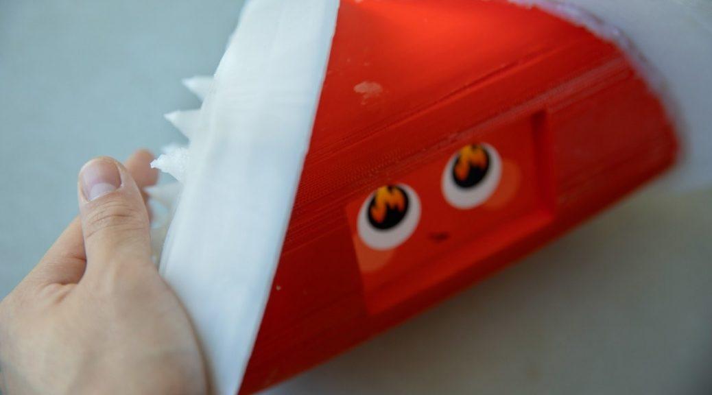 Robot expresa sus emociones tanto con sus ojos como con cambios en su piel