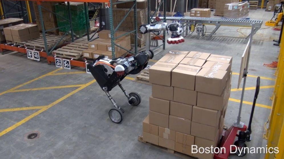 ROBOT BÍPEDO DE BOSTON DYNAMICS MÁS HÁBIL PARA APILAR CAJAS